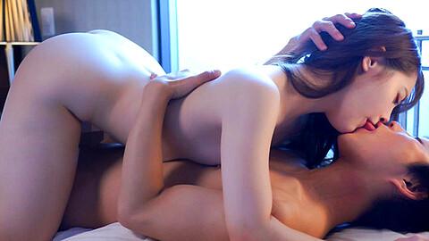 Yuna Ogura
